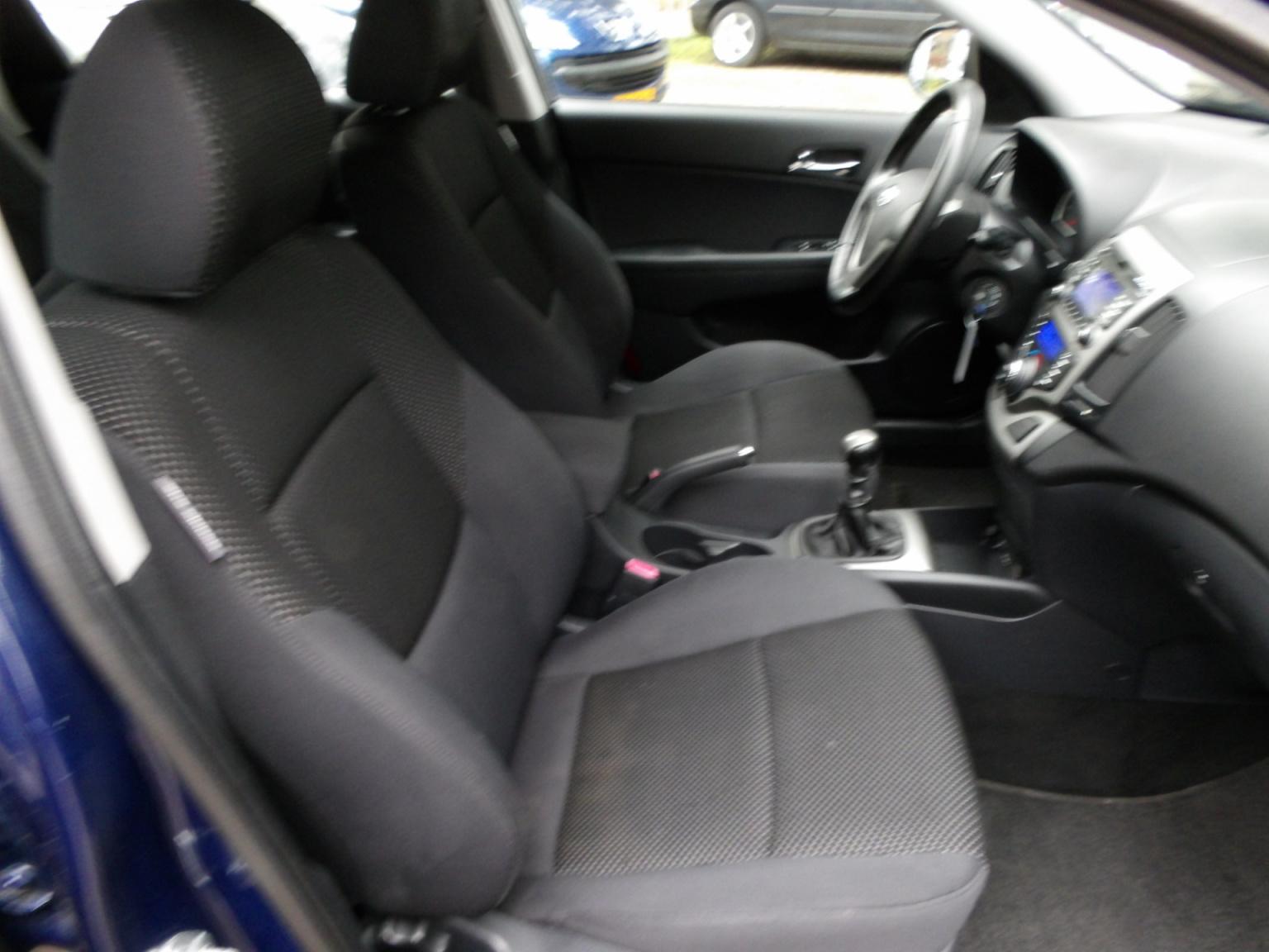 Hyundai-i30-16