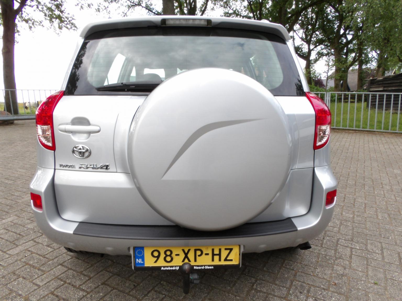 Toyota-RAV4-3