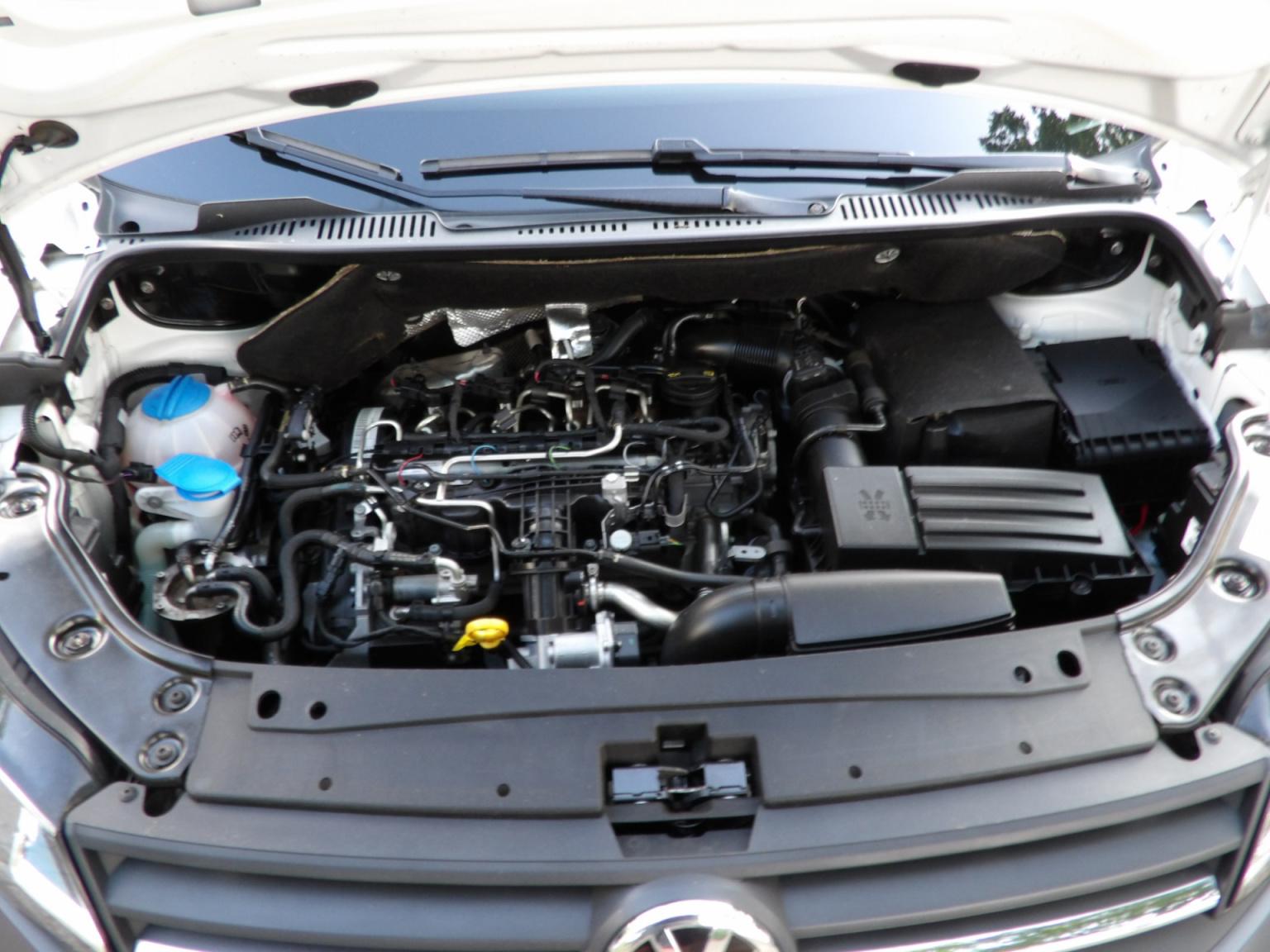 Volkswagen-Caddy-24