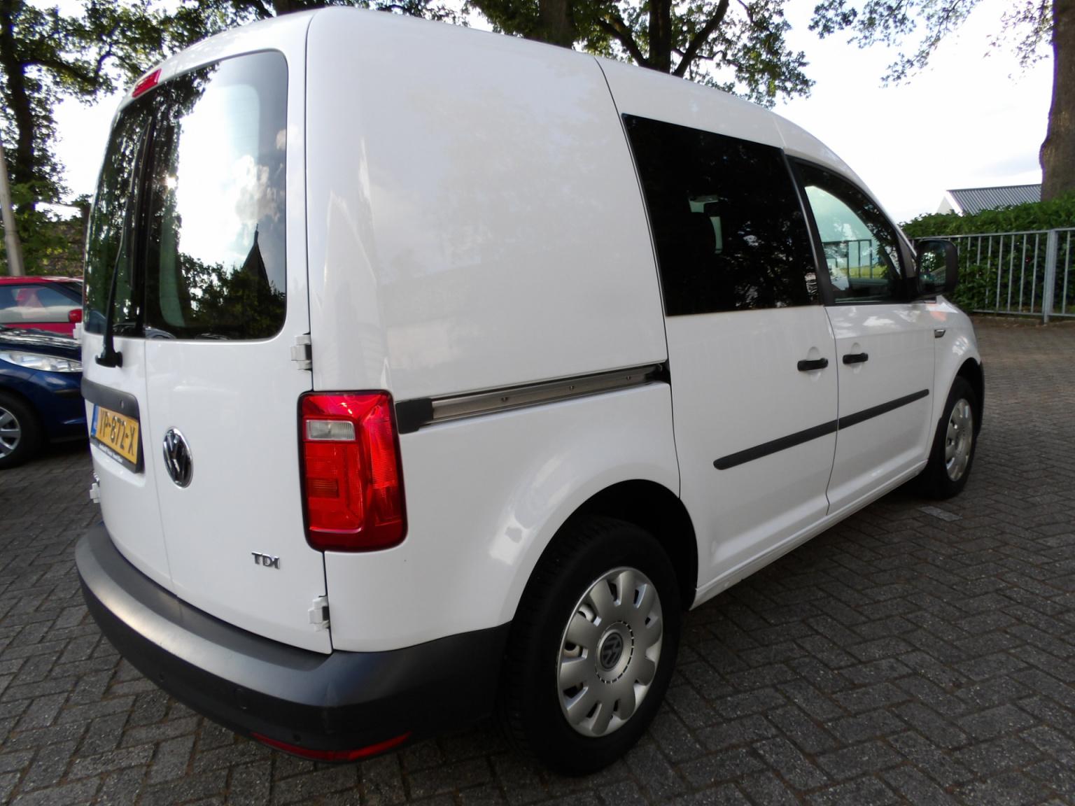 Volkswagen-Caddy-4