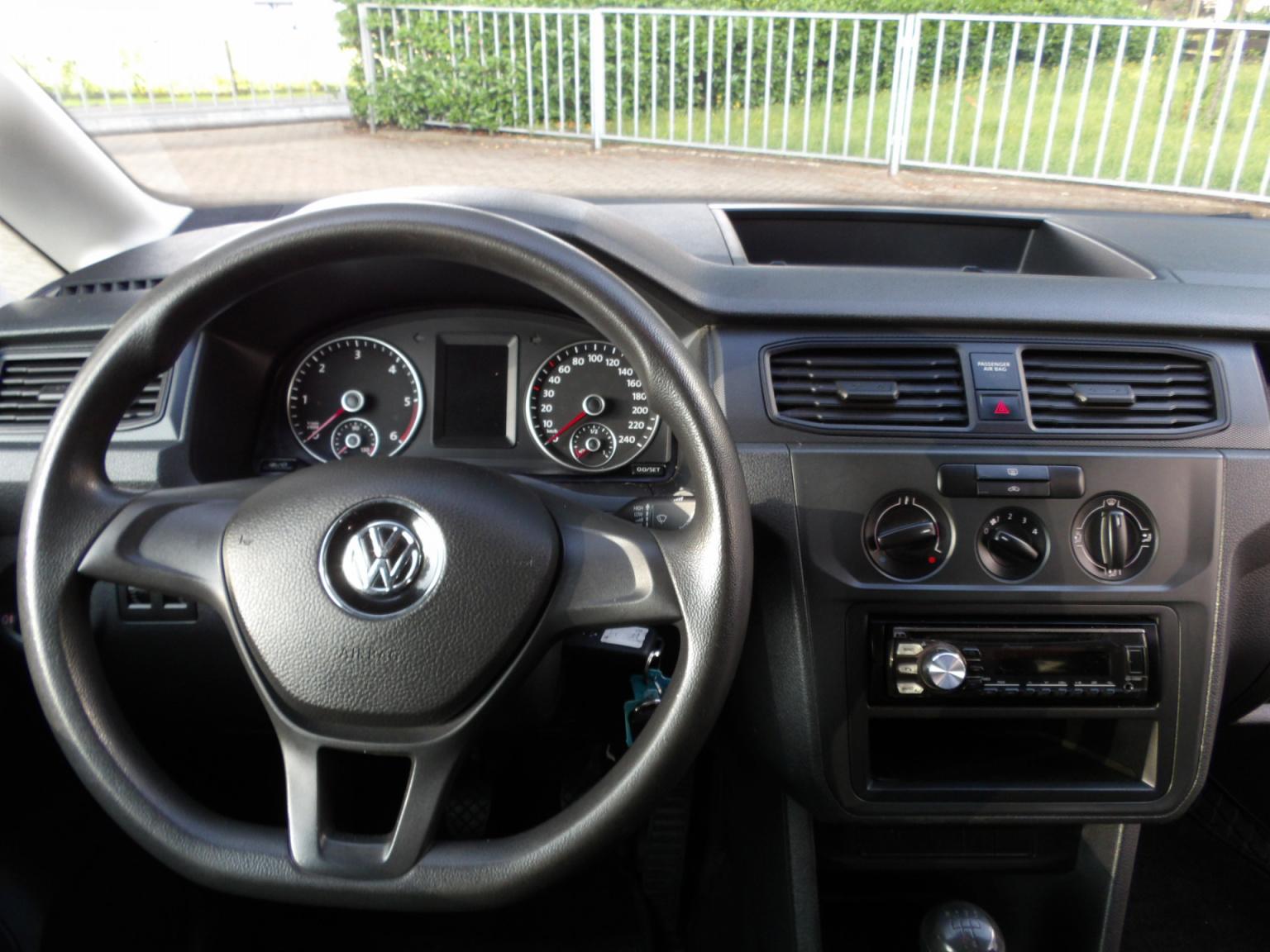 Volkswagen-Caddy-9