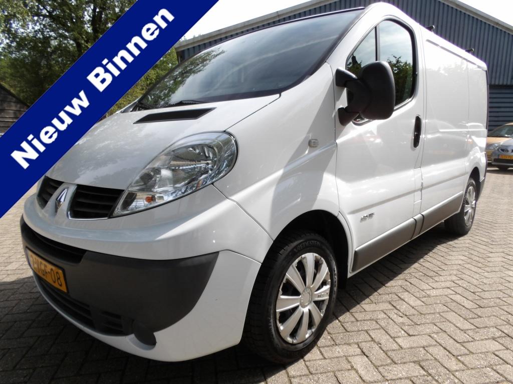 Opel-Vivaro-thumb